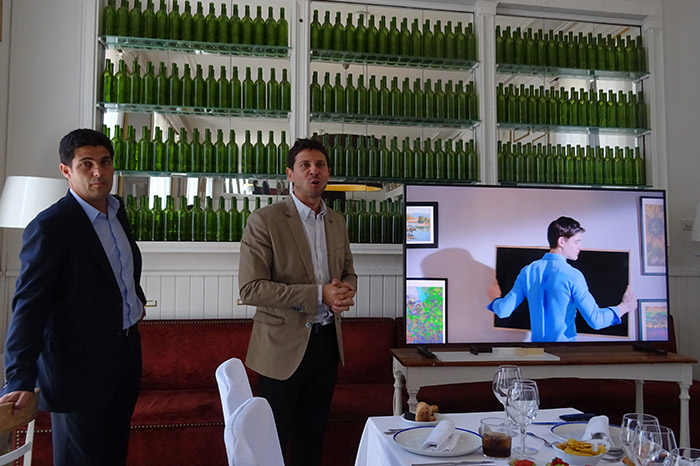 Nacho Monge y Tomás Alonso de Samsung presenta los televisores The Frame