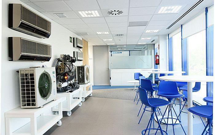 nuevo centro de formación de Daikin Formación y Desarrollo Corporativo (T&CD) de Daikin doméstico Sky Air Calefacción VRV enfriadoras climatizadores y fan coils planes integrales de formación de Daikin