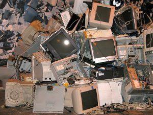 Ecolec, residuos de aparatos eléctricos y electrónicos, basura electrónica, Fundación Ecolec, SCRAP, RAEE, lavadora, frigorífico usado, tiendas de electrodomésticos, Luis Moreno, SIG, recogida de electrodomésticos, reciclaje de electrodomésticos, economía circular