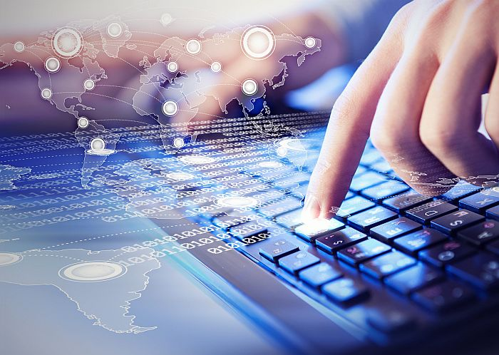 Reglamento General de Protección de Datos RGPD modelo cloud Microsoft Azure retail & eCommerce WMS Logisfashion operadores logísticos