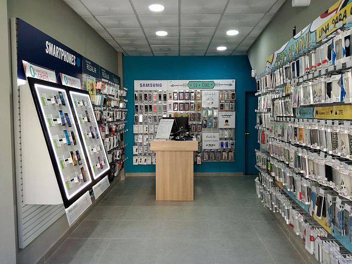 accesorios, financiación, outlet, Phone House, remóvil, reparaciones, seguros, Smart House), smartphones, tabletas, tarifas de conexión, wearables