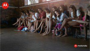 enganchados al móvil, verano, teléfonos móviles, vacaciones, desconectar, estudio habitos uso teléfonos móviles, telefonía móvil, smartphones, Motorola, españoles, endrogados
