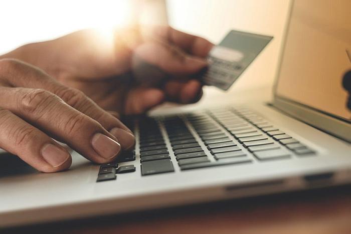 compras por internet, comprador online, informe Nielsen, nielsen digital consumer, internet, online, tiendas, smartphone, tardes, prime time, conectarse, móvil