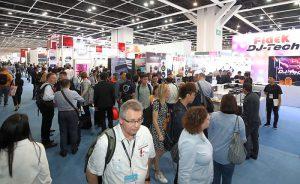 AR, Big Data, Bourgini, Capgemini, Centro de Convenciones y Exposiciones de Hong Kong, City Brain, Desay, ecommerce, eHealth, electrónica de consumo, ezviz, Garmin, Gobierno de Hangzhou, Greatwall, HKTDC, HKTDC Hong Kong Electronics Fair, HKTDC International ICT Expo, innovación conectada, IoT, MR, o French So Innovative, Reconocimiento de Voz e Inteligencia Artificial (IA), robótica, Salón de la Fama, salud, Schneider Electric, SKROSS, Smart City • Smart Living, Smart Econom, Smart Enviroment, Smart Goverment, Smart Living, Smart Mobility, Smart People, startups, STMicroelectronics, Tech Hall, tecnología no tripulada, TICs, VR, wearables