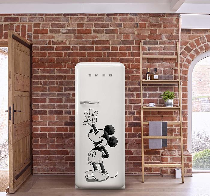 cajón Life Plus a 0°C, clase energética A+++, ecosostenible, FAB28, frigoríficos FAB28RDMM4, Mickey Mouse, sistema de enfriamiento Multiflow, Smeg, Smeg FAB28, Smeg FAB28RDMM4, Smeg Mickey Mouse, tiras de iluminación LED