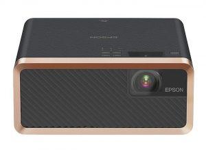 altavoces incorporados, Amazon Fire TV, Apple TV, conectividad Bluetooth para barras de sonido, EF-100W/B, entrada para auriculares, Epson, Google Chromecast, modelo EF-100B, modelo EF-100W, Plug and play, proyector láser, Proyector láser Epson EF-100W/B, puerto HDMI, Roku