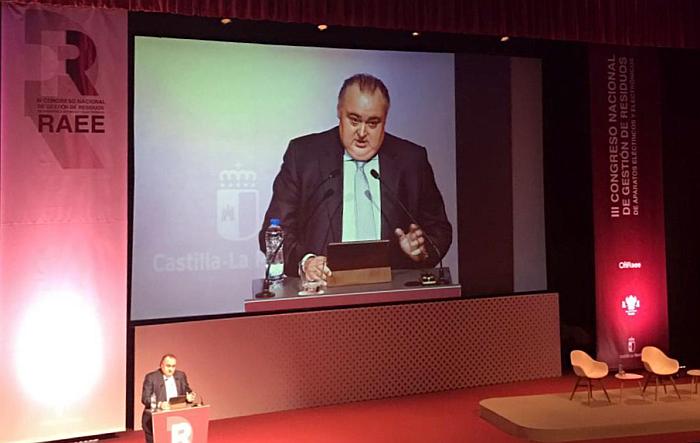 Andreu Vilà en la ceremonia de clausura del III Congreso Nacional de Gestión de RAEE