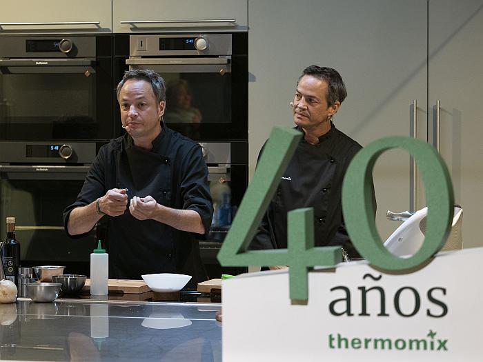 taller de cocina a cargo de los hermanos Torres en la pop-up store de Thermomix