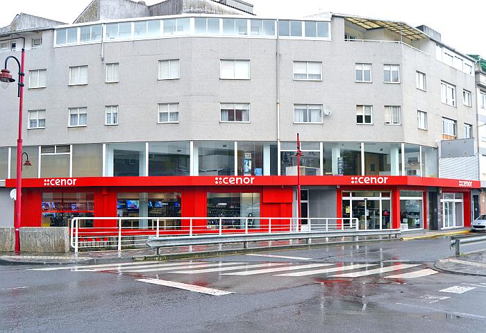 escaparate de la tienda Cenor Carballo en A Coruña