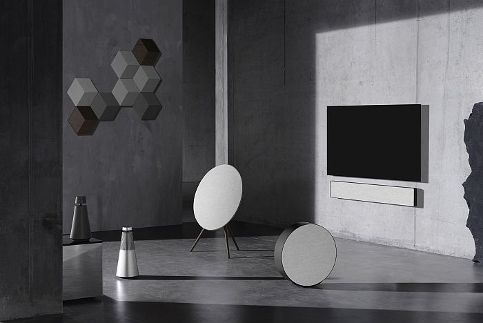bang & olufsen contrast