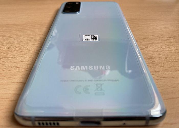Samsung Galaxy S20 trasera